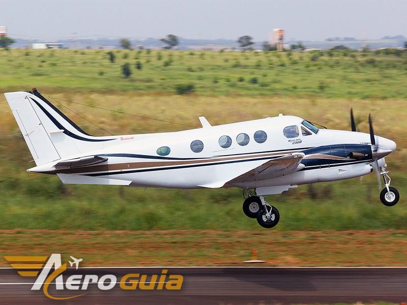 King Air - C90 - 2001