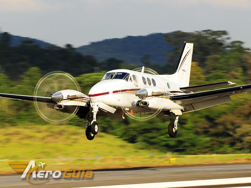 King Air - C90 - 2000